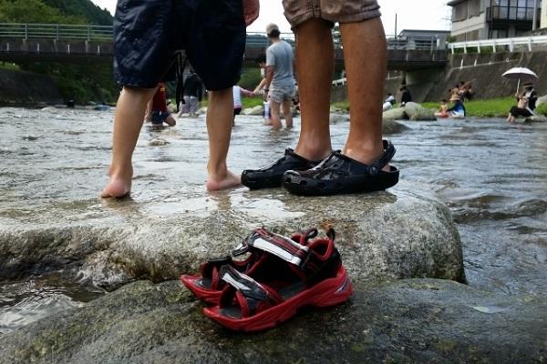 お子様と川遊びする時の注意点